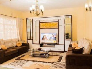 5 Bedrooms Townhouse For Sale In Ruai