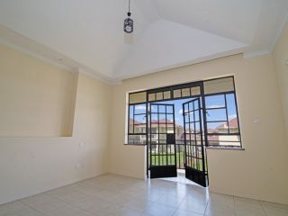 4 Bedrooms Townhouse For Sale In Day Star